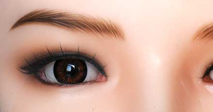 doll Brown color eye