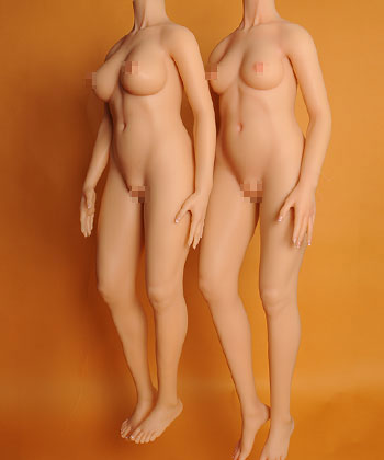 158cm and 158plus doll compare